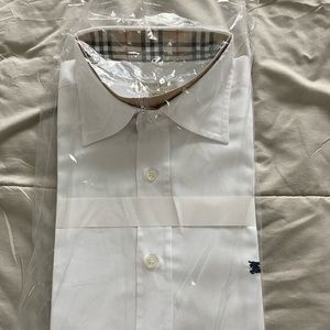 Shirt | Burberry | White | Classic | size M